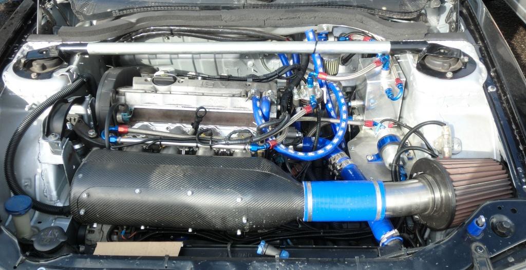 Blick auf den Motor von Christian's Peugeot 306 S16 / Gti6 2,0 16v