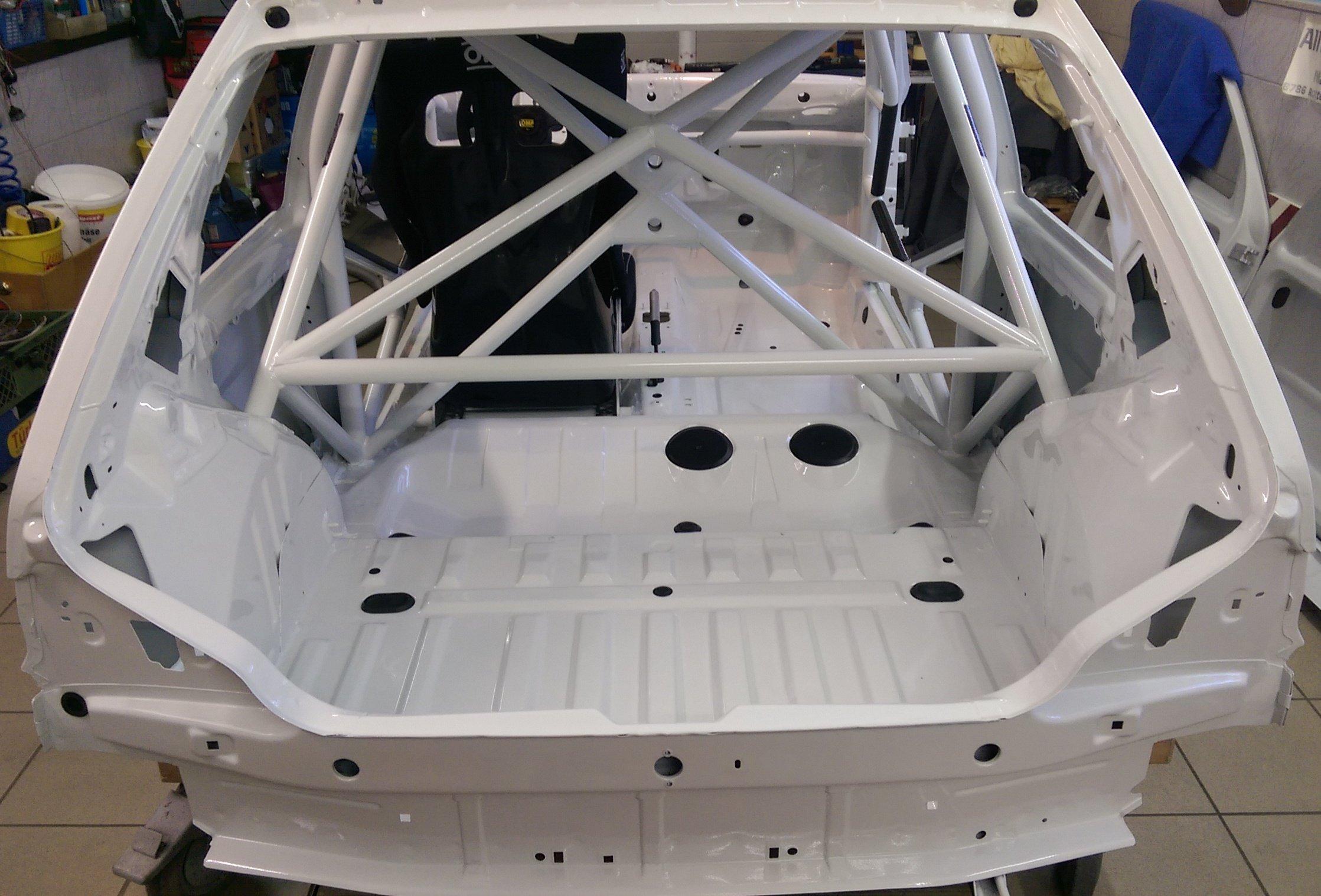 Martin's Peugeot 106 S16 - neue Sicherheitszelle